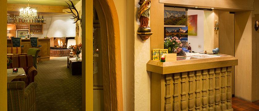 Chalet Hotel Elisabeth, Lech, Austria - Reception.jpg